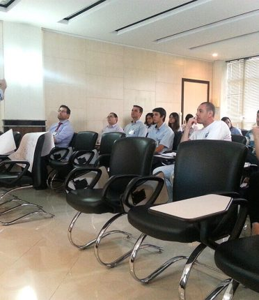 Intelidata promove treinamento comercial