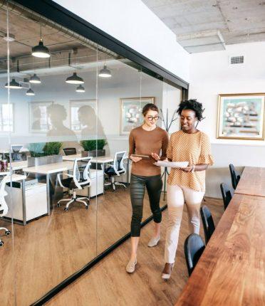 Abordar clientes pela primeira vez: descubra como fazer isso!